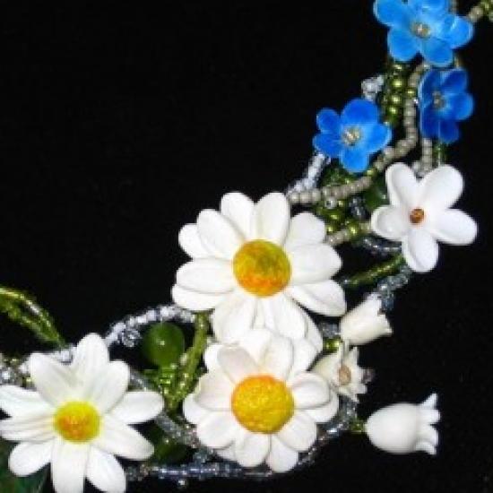 Flora handmade jewellery in Bazarino
