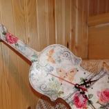 Стенен часовник цигулка