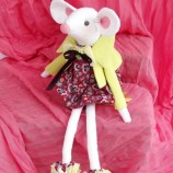 Белл - текстилна кукла, бяла мишка