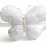 Диадема с дантелена пеперуда в бяло и екрю