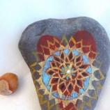 Рисуван декоративен камък