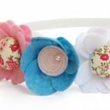 Венче със сини и розови цветчета