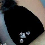 Ръчно декорирана дамска зимна шапка