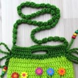 Детска плетена чанта с дървени мъниста