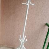 Виенска закачалка бяла винтидж