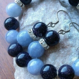 Комплект гривна и обеци от естествени камъни