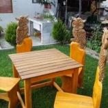 Градински комплект маса с столове с дърворезба .