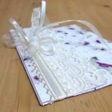 ПЛИК за паричен подарък с дантела и ръчна хартия