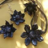Колие Цвете в черно
