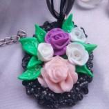 Колие букет от рози