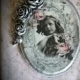 Кутия - книга Момичето с розите