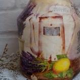 Кухненска закачалка и декориран буркан