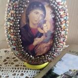 Голямо Великденско яйце с икона на Богородица