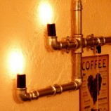 Оригинална стенна лампа в стил