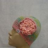Плетена шапка в преливащи цветове