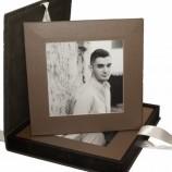Кожена кутия с 6 броя снимки с кожен гръб формат 20х20 см.
