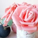 Розови цветя в буркан декор