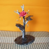 декорация с роза и перли