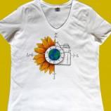 buy Ръчно рисувана памучна дамска тениска с обло деколте, размер XL in Bazarino