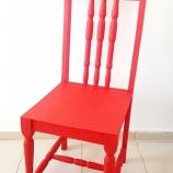 Дървен стол червен