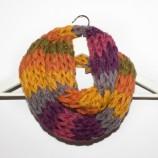Шарен плетен шал