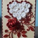 Квилинг картичка с роза и сърце