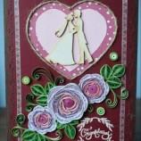 Квилинг картичка с рози за сватба