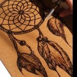 Ръчно рисувано пано с пирограф