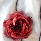 гердан с цвете от коприна