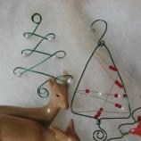 Коледни играчки за елха от тел и мъниста!