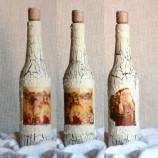 Ръчно изработена коледна бутилка, с техника декупаж.