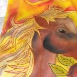 Ръчно рисуван шал - Годината на коня