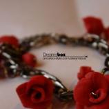 Гривна с рози
