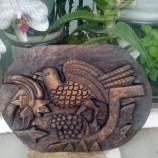 Пиле грозд - дърворезба