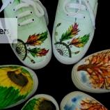 DA sneakers