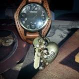 Точно време...часовник ръчно декориран