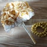 Сватбен букет в златно