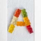 Букви с желирани бонбони