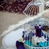 Сватбена украса с паунови елементи
